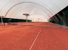 Введены в эксплуатацию  теннисные корты на  м. Тухачевского